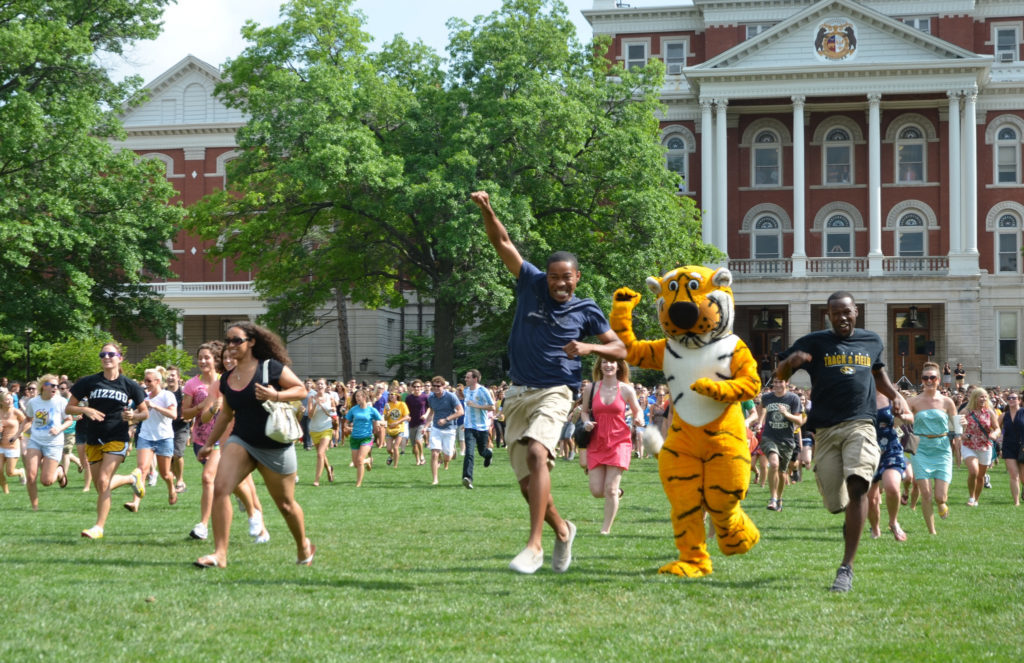 Mizzou Tiger Walk and Prowl Students